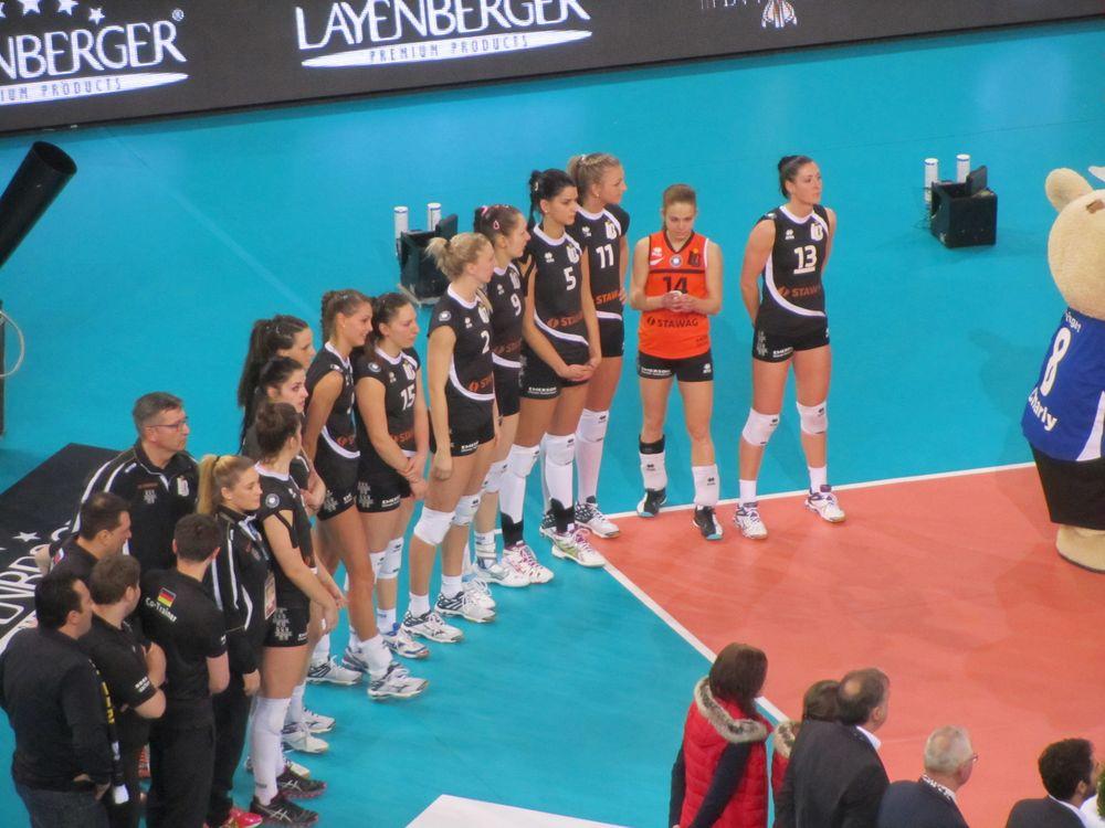 Ladies in Black beim Pokalfinale 2015
